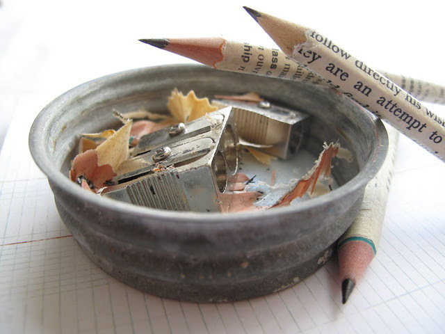 pencil sharpener & shavings tray (antique bottle lid)