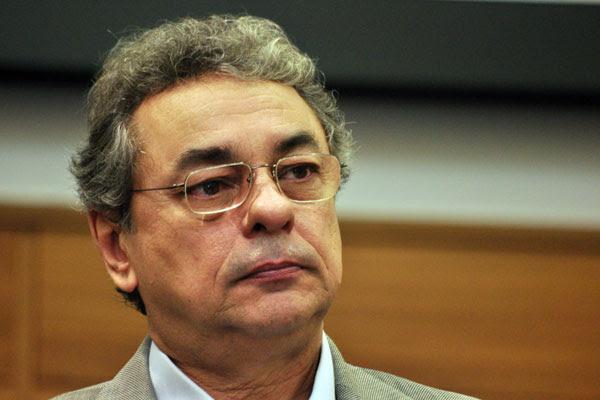 Obery Rodrigues: Nós repudiamos essa insinuação de que o Governo superestimou as receitas. Absolutamente não houve nada disso.