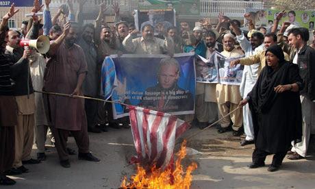Pakistani WikiLeaks flag burning