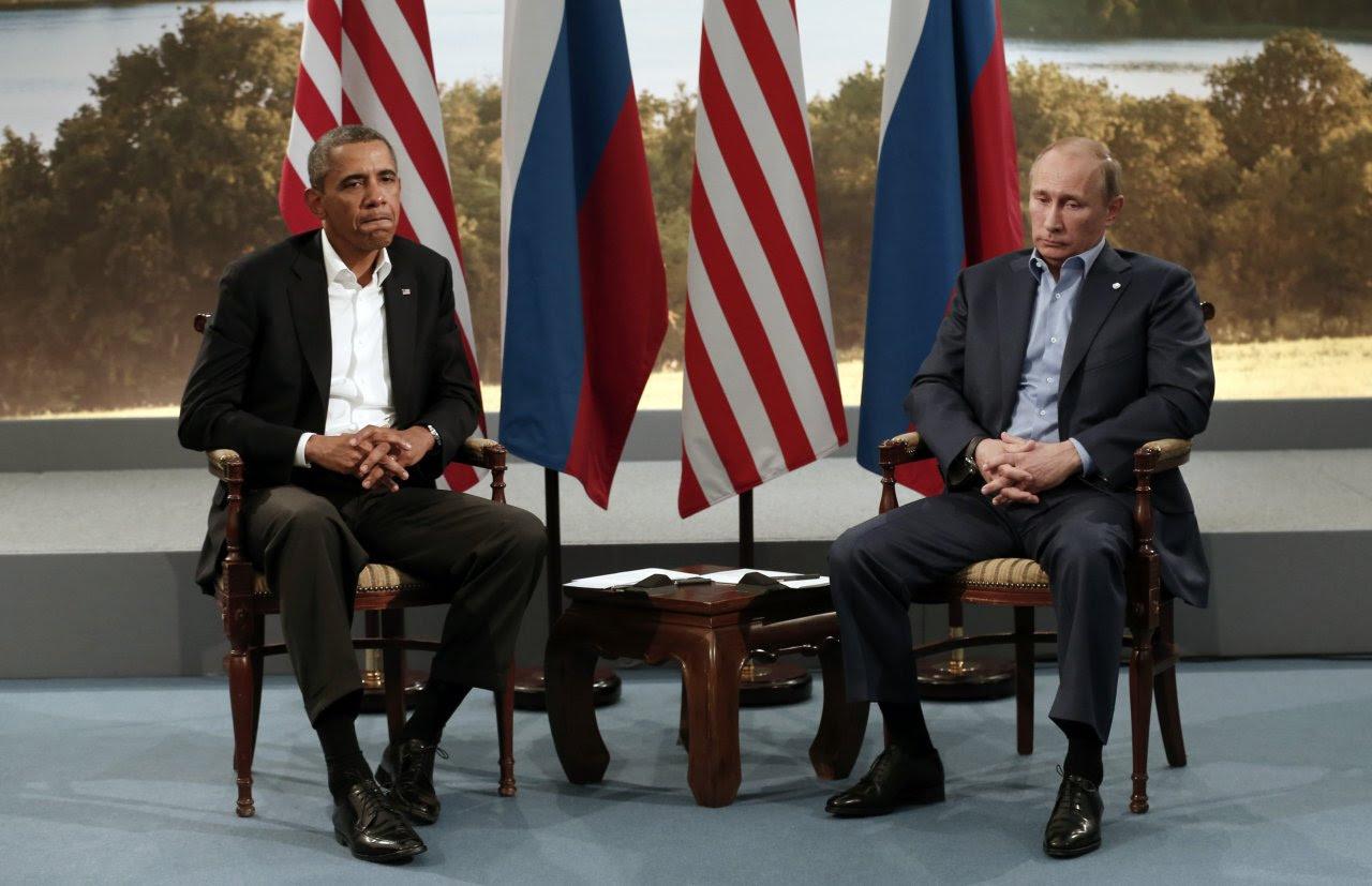 Cold War Returns. U.S. President Barack Obama meets with Russian President Vladimir Putin during the G8 Summit at Lough Erne in Enniskillen, Northern Ireland  Le retour de la guerre froide. Ambiance glaciale lors de la rencontre entre le président des Etats-Unis d'Amérique, Barack Obama et le président de la Russie, Vladimir Poutine. Cette rencontre a eu lieu dans le cadre du G8 organisé à Enniskillen en Irlande du Nord. PHOTOGRAPHER: REUTERS/KEVIN LAMARQUE