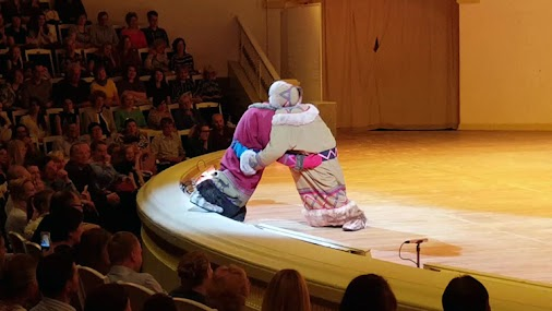 Russian Ballet Dancer Wears Unique One-Piece Costume to Act Out a Big Fight Between Two Kids