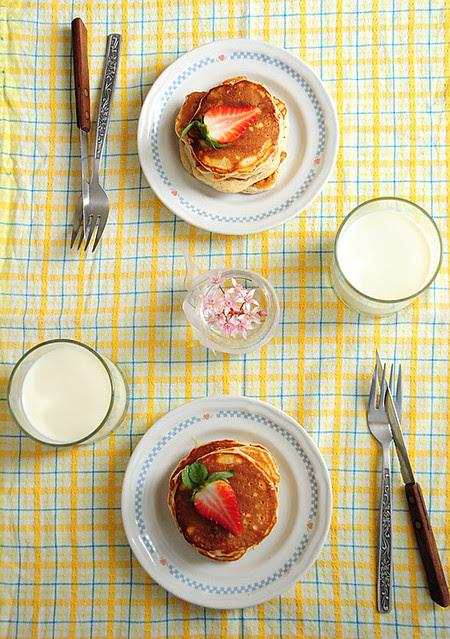 mini strawberry pancakes