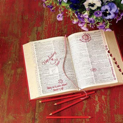 15 Creative & Fun Wedding Guest Book Ideas   mywedding