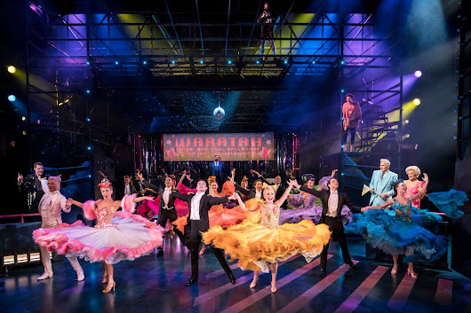 TrendFEMStrictly Ballroom The Musical: Piccadilly Theatre (2018) |