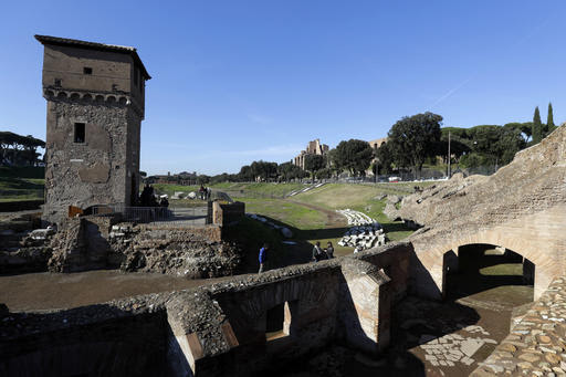 Ancient latrines, a lucky horse: New finds at Circus Maximus (Update)