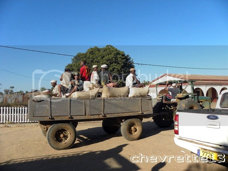 http://i1252.photobucket.com/albums/hh578/chevrette13/Madagascar/DSCN2326Copier_zpsecfd39dd.jpg