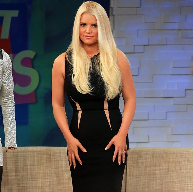 Jessica Simpson says shes so proud of her weight loss