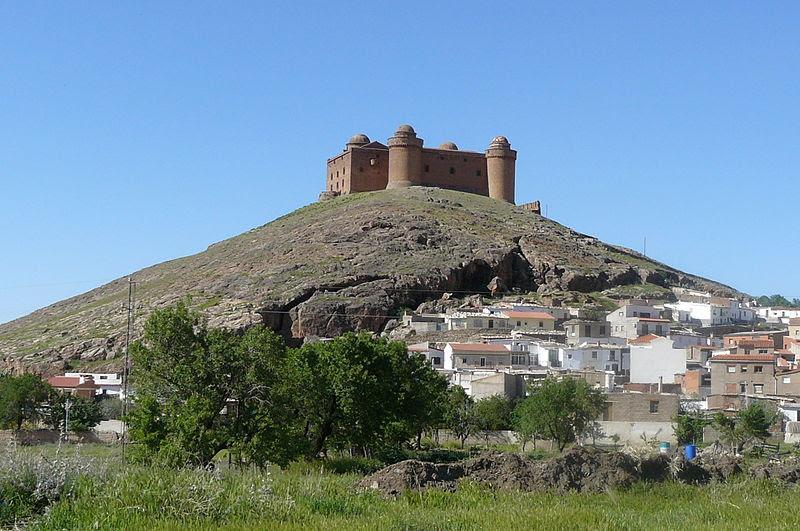 Archivo: Castillo de la Calahorra01.jpg