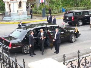 Obama decidió no usar la bestia para trasladarse en el corto trayecto entre la Casa Amarilla y el CENAC. Foto cortesía Columbia para CRH.