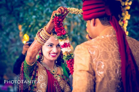 Canvera Ladies Behind Lenses - Finest Women Wedding Photography Portfolios from India
