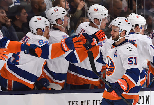 Islanders Climb Into Second Place In Metro With Win Over Leafs -