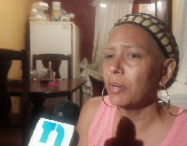 Agentes de seguridad detienen padres y hermana del prófugo Brayan Félix
