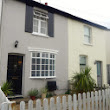 2 bedroom property for sale in West Molesey - £499,950