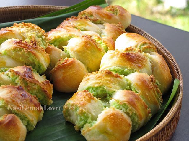 Plaited Coconut Bread 椰子面包