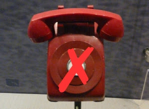 Red phone at the Jimmy Carter Library and Museum that is erroneously claimed to have been part of the Washington-Moscow Hotline. Photograph via Wikipedia.