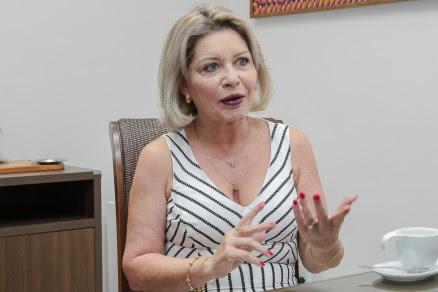Selma Arruda 12-04-2018