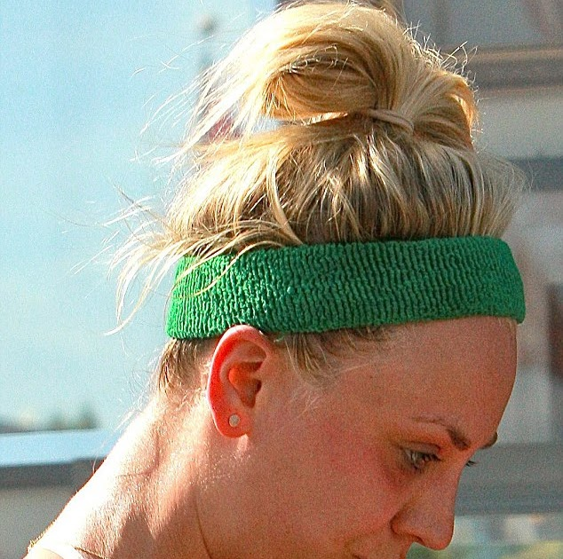 Kaley Cuoco heads to the gym wearing no makeup and exposes