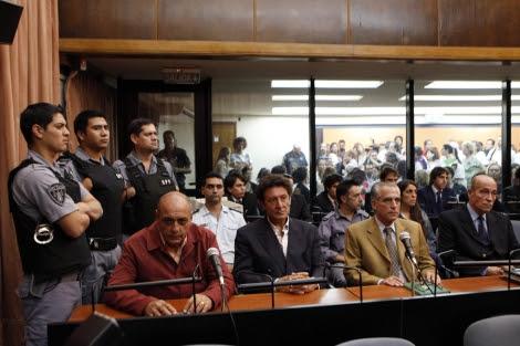 Los acusados por el Caso Gelman, durante el juicio. Foto:EFE