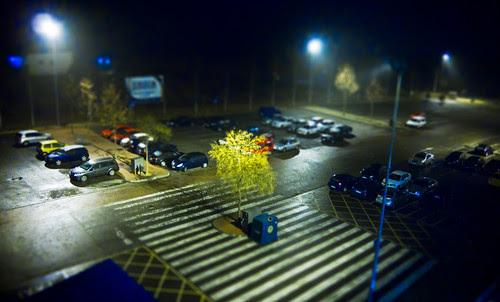 12M12T-Paisaje Urbano-Maqueta nocturna por Juan R. Velasco