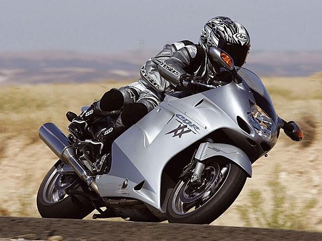 6. Yamaha YZF R1 2011
