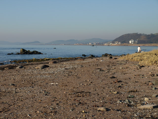 File:Ardrossan Shore - geograph.org.uk - 691981.jpg