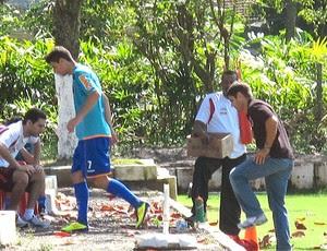 Thiago Neves deixa o treino com dores (Foto: Richard Souza / Globoesporte.com)