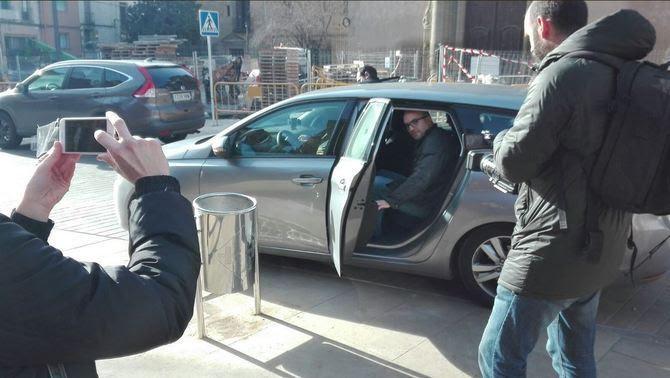 El regidor de Capgirem Vic, Joan Coma, detingut (@Moviment3003)