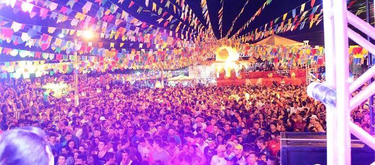 Multidão se reuniu para participar da festa