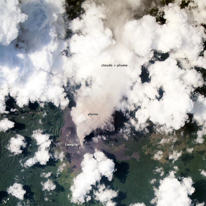 Activité éruptive du volcan Langila, 16 novembre 2013