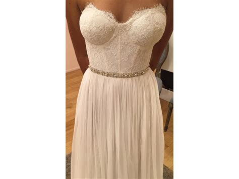 Leanne Marshall Samantha, $1,420 Size: 4   New (Un Altered
