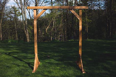 diy wood wedding arbor   girls