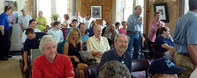 P1060075-2012-03-24-ICAA-Atlanta-Preservation-Center--Phoenix-Flies--Rick-Spitzmiller--Grant-Mansion-Crowd