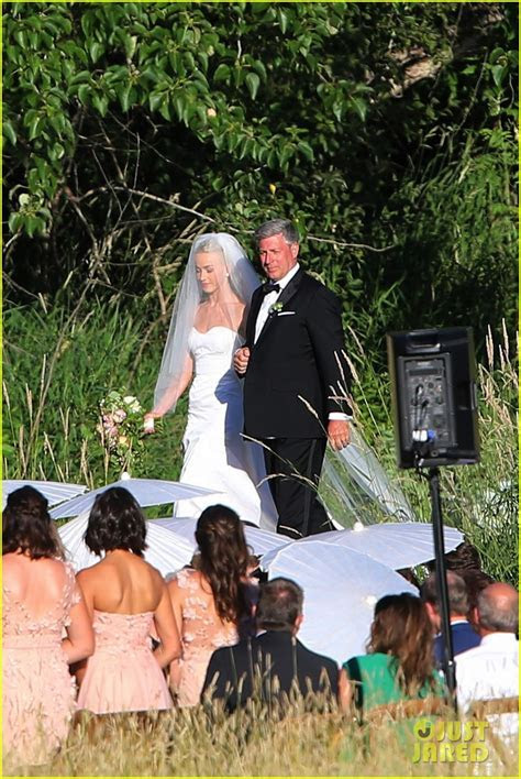 Julianne Hough & Brooks Laich's Wedding Pictures   See