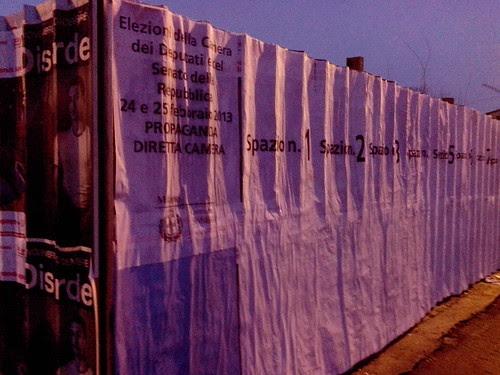 Spazio libero per i manifesti elettorali by Ylbert Durishti