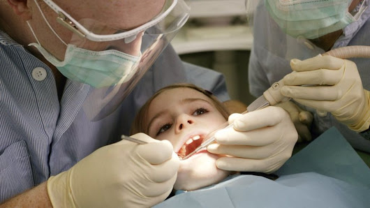 Four in 10 children not going to dentist, NHS figures show - BBC News