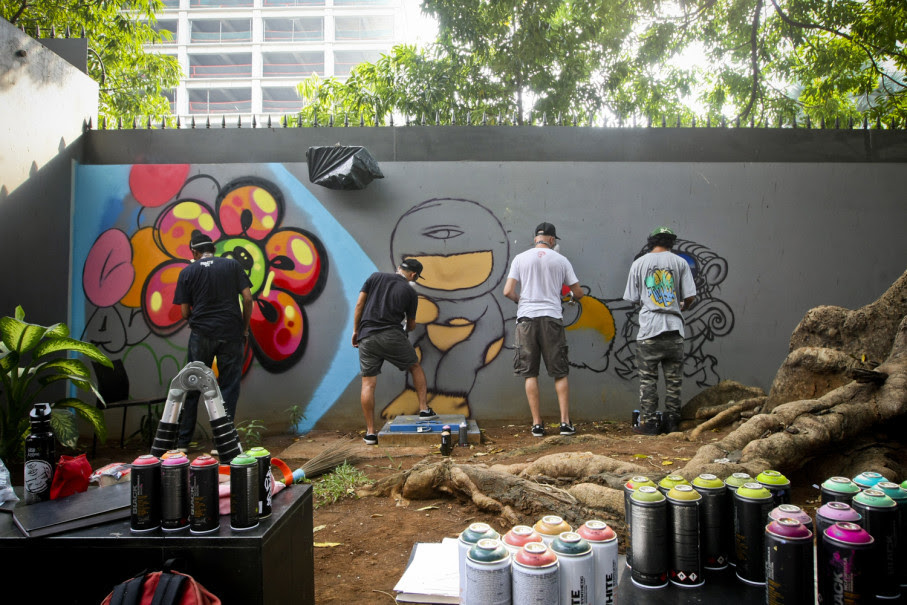Off The Wall Jakarta Showcases Graffiti And Street Art Also Works Of Banksy