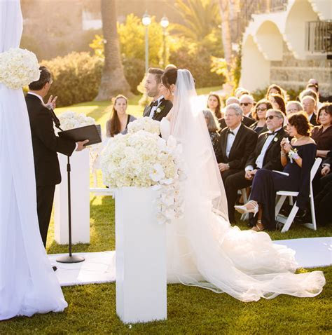 How to Officiate a Loved One's Day   Inside Weddings