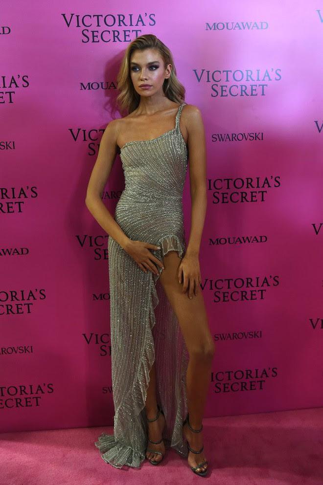 Mỹ nhân Tình người duyên ma chẳng ngại ngần đọ sắc nóng bỏng cùng dàn thiên thần Victorias Secret trên thảm hồng sau show - Ảnh 18.