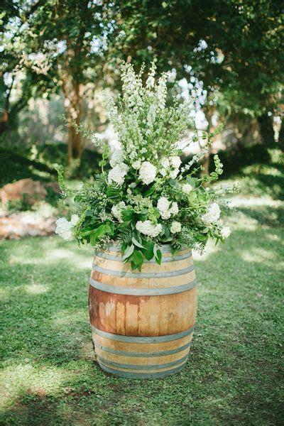 Texas Barn Wedding by Jen Dillender   Green Wedding