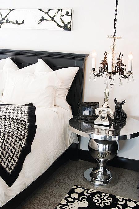 blackandwhite_bedroom