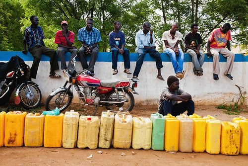 Despite the wealth of South Sudan in oil, political problems with the Republic of Sudan has brought about the paralysis of the domestic economy. by Pan-African News Wire File Photos