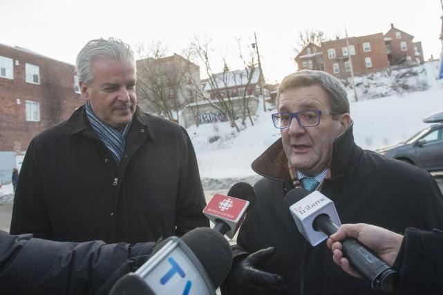 Les maires de Sherbrooke et de Québec, Bernard... (Spectre Média, Julien Chamberland)