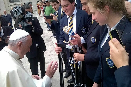 Pope Francis Blesses 3D Printer, Prosthetics Presented by Student Group