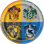 """Harry Potter 9"""" Lunch Plates (8 Count)"""