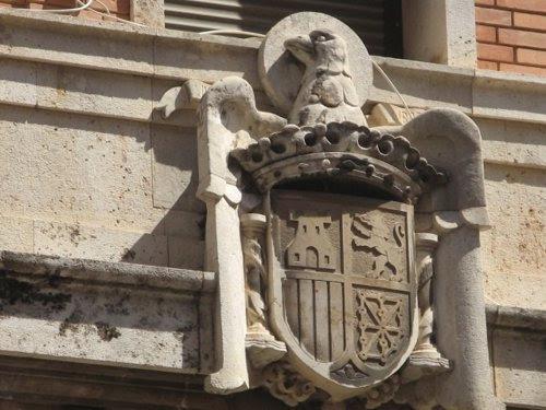 Escudo Inconstitucional En La Comandancia De La Guardia Civil De Patraix.
