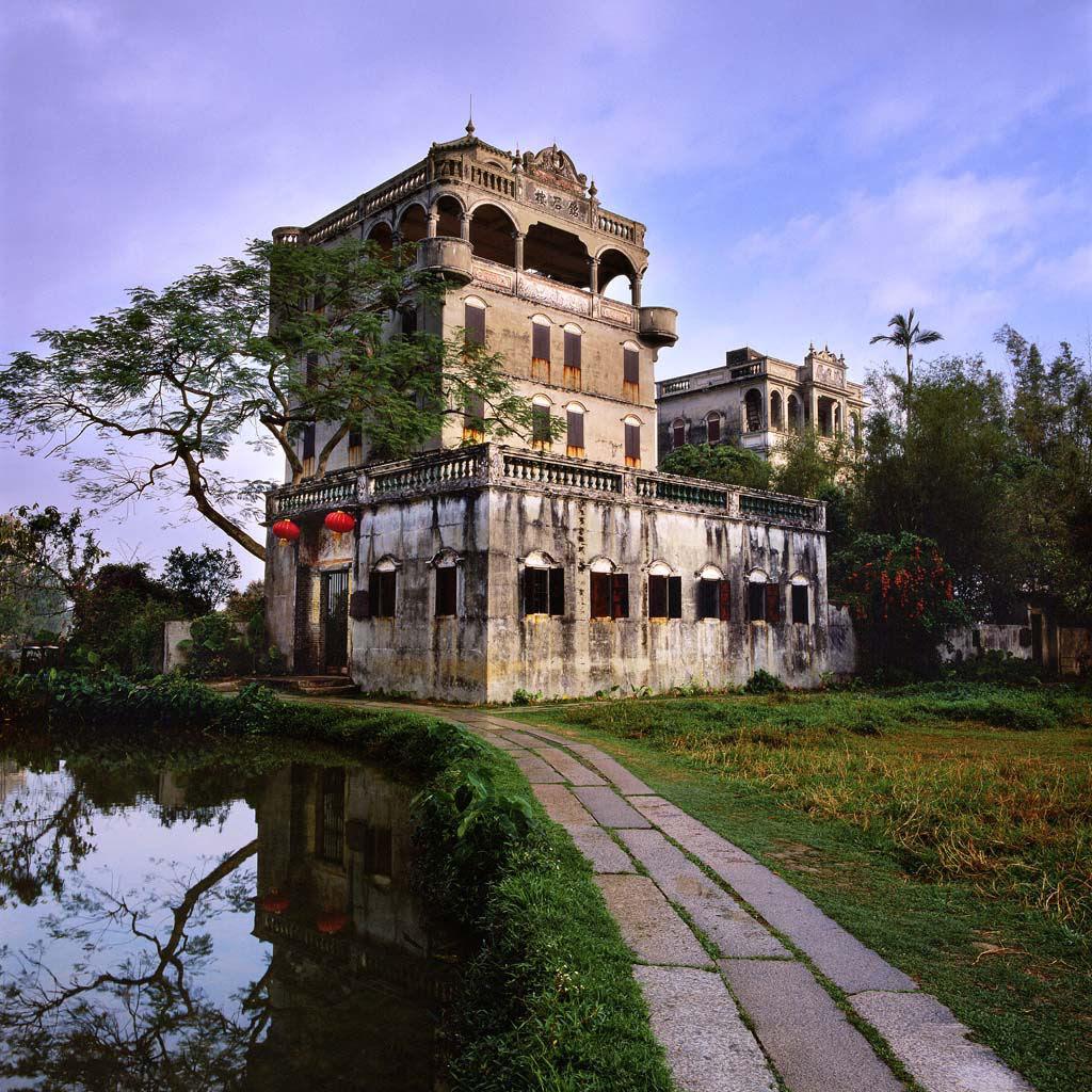 Torres no estilo europeu foram erguidas no meio da China 06