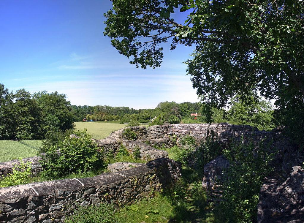 Hammersta Castle Ruin