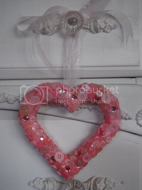buttons wreath pink