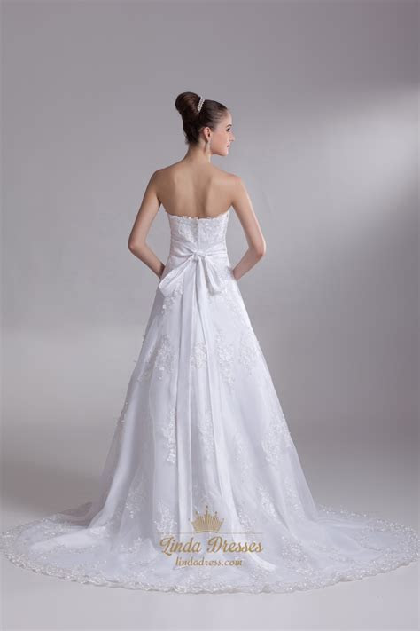 White Lace Chapel Train Sweetheart Wedding Dress With
