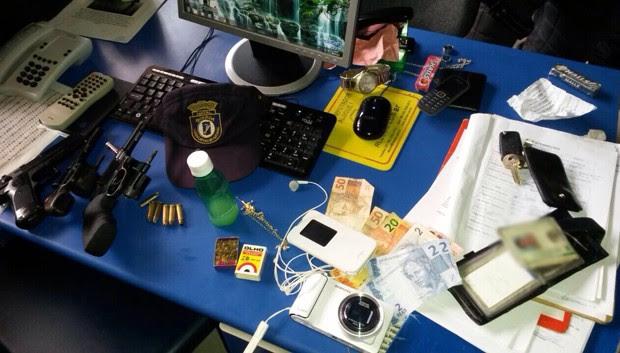 Armas e objetos apreendidos pela Guarda Municipal foram levados para a delegacia (Foto: Divulgação/Polícia Militar do RN)